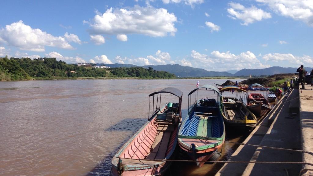 世界一周 タイ ラオス メコン川
