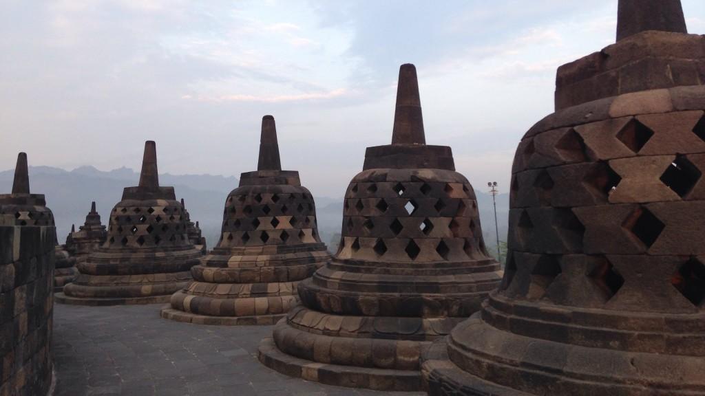 世界一周 インドネシア ボロブドゥール