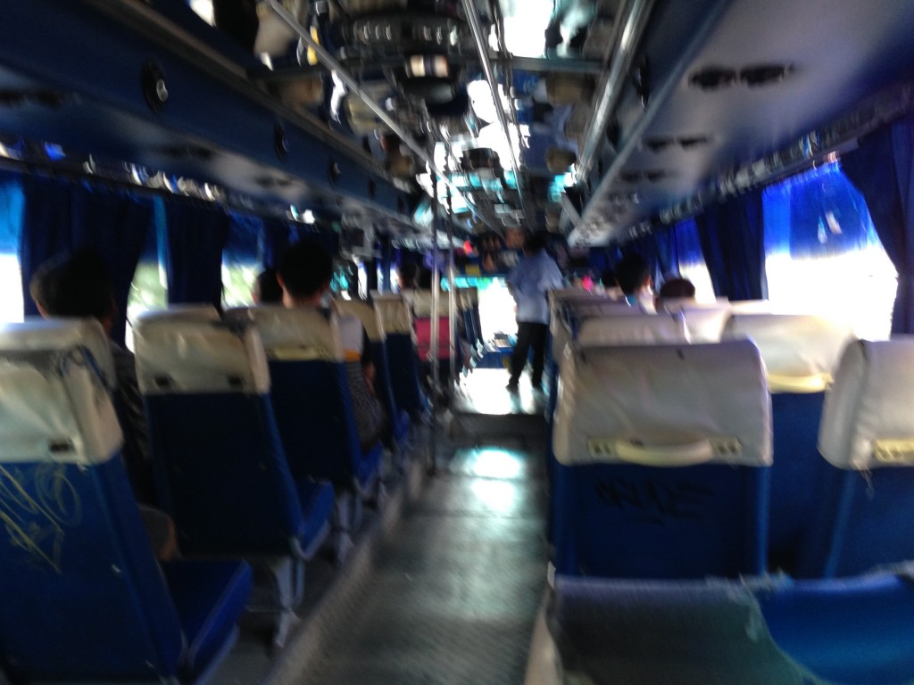 バンコク カオサン ドンムアン バス 安い 世界一周 旅 ブログ 情報
