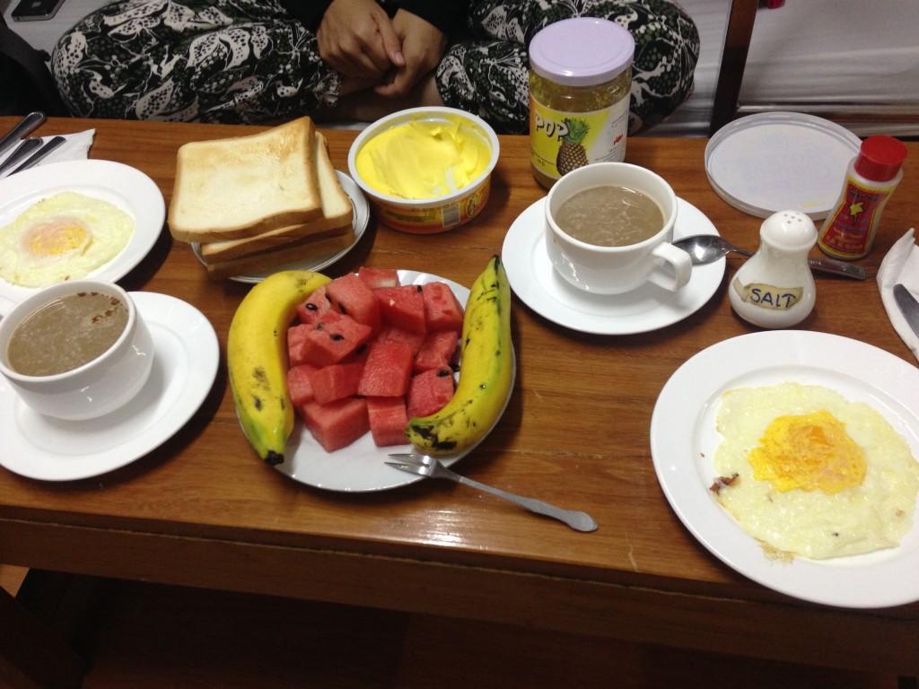 ヤンゴンOcean pearl inn 3の朝食