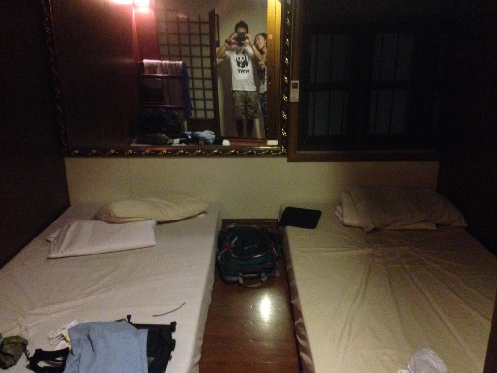 ヤンゴンokinawa2の部屋