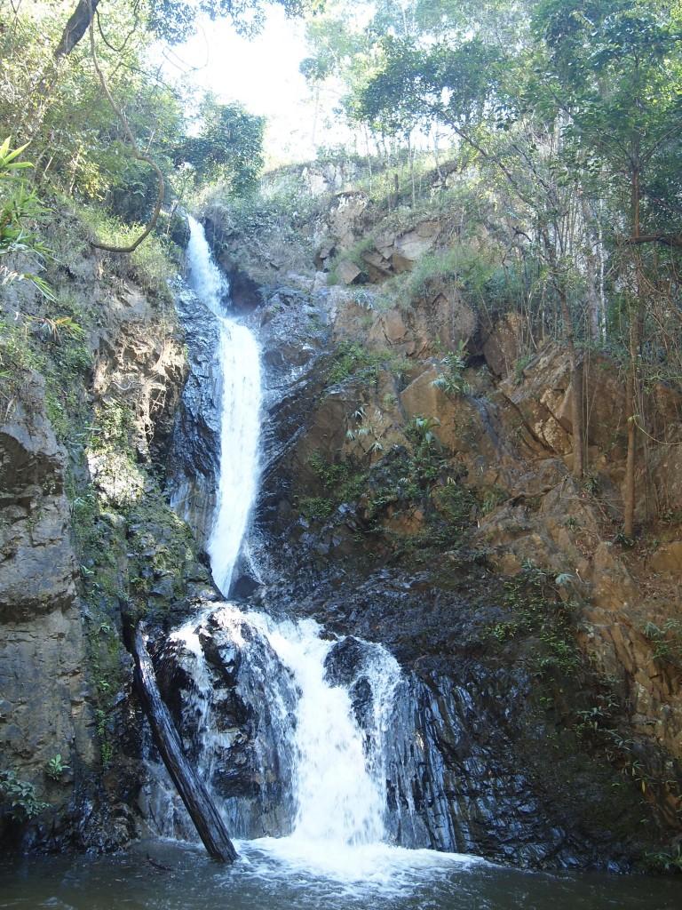 パーイ 大きな滝Mae Yen waterfall