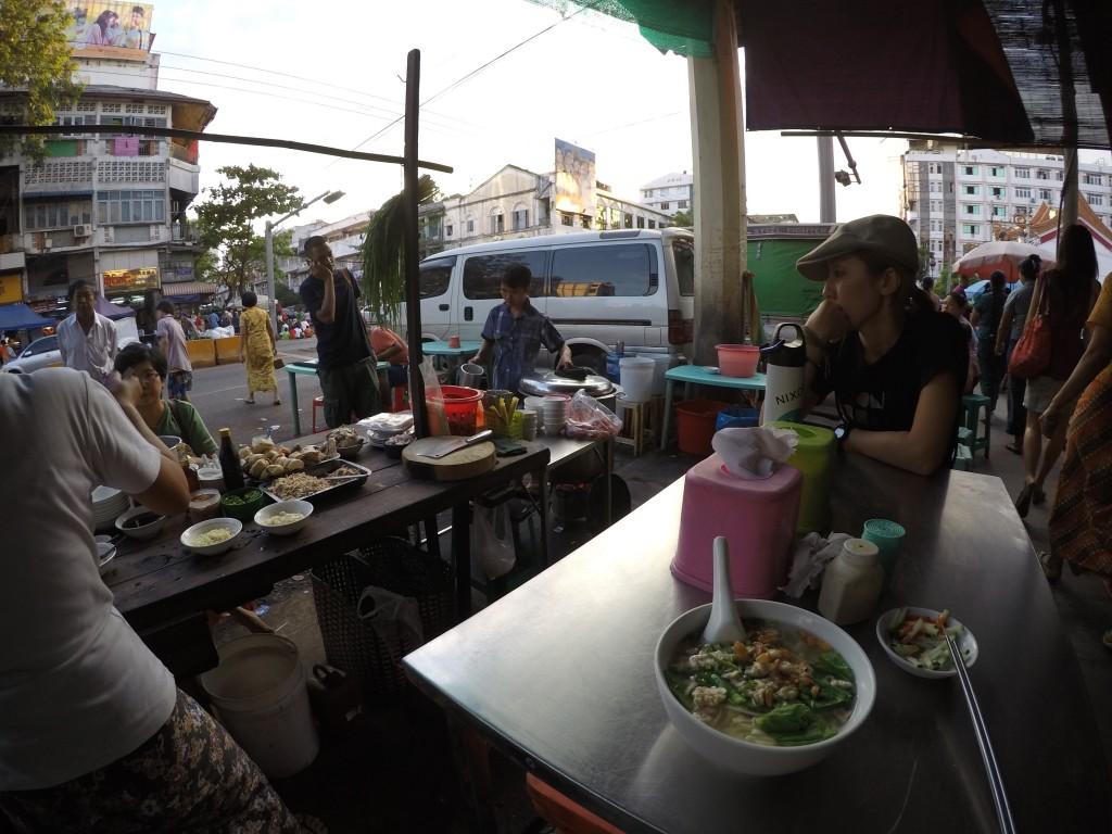 ヤンゴン、麺、中華麺