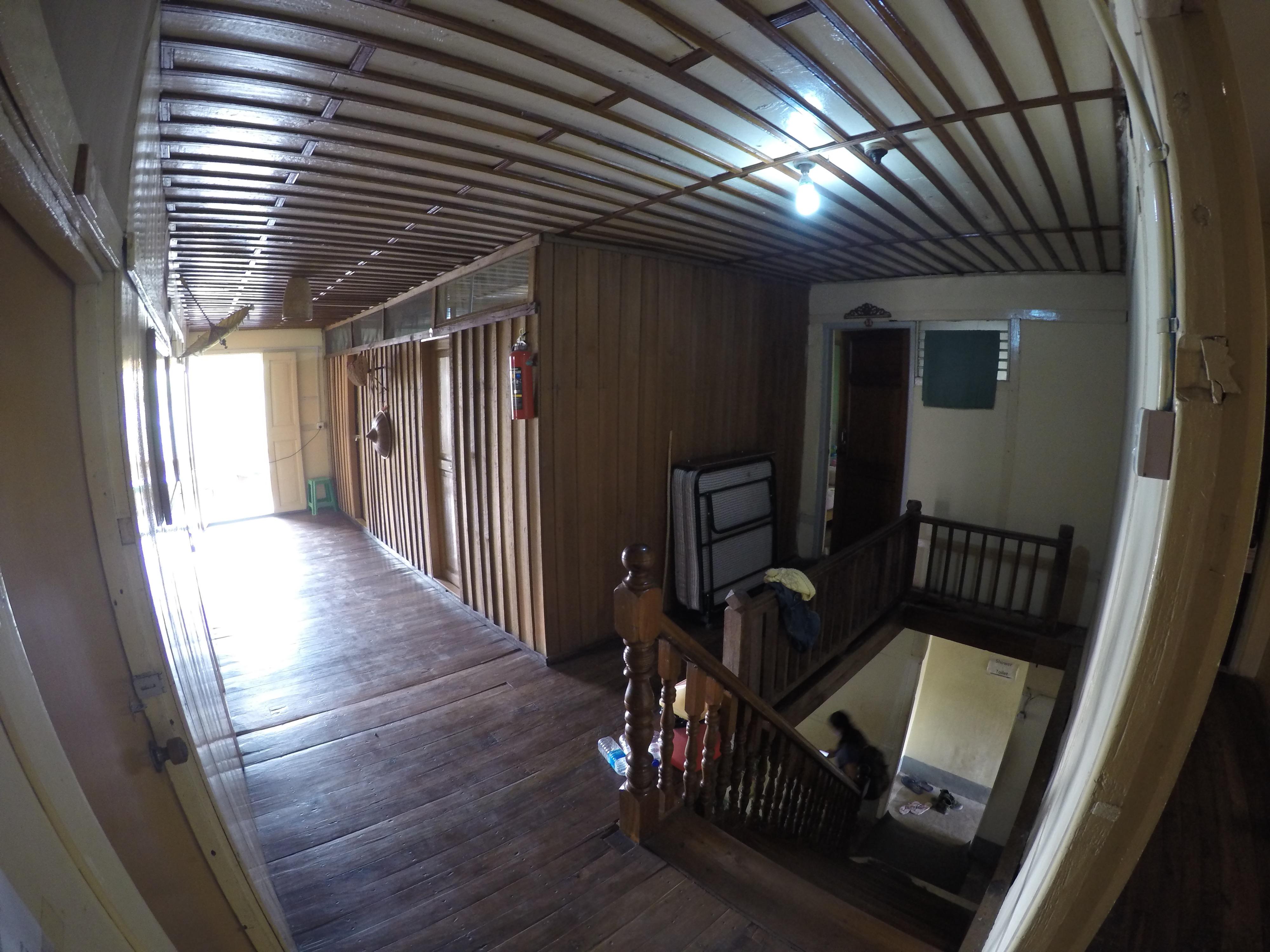 シーポー ミャンマー ゲストハウス 宿 安宿 世界一周 夫婦 旅