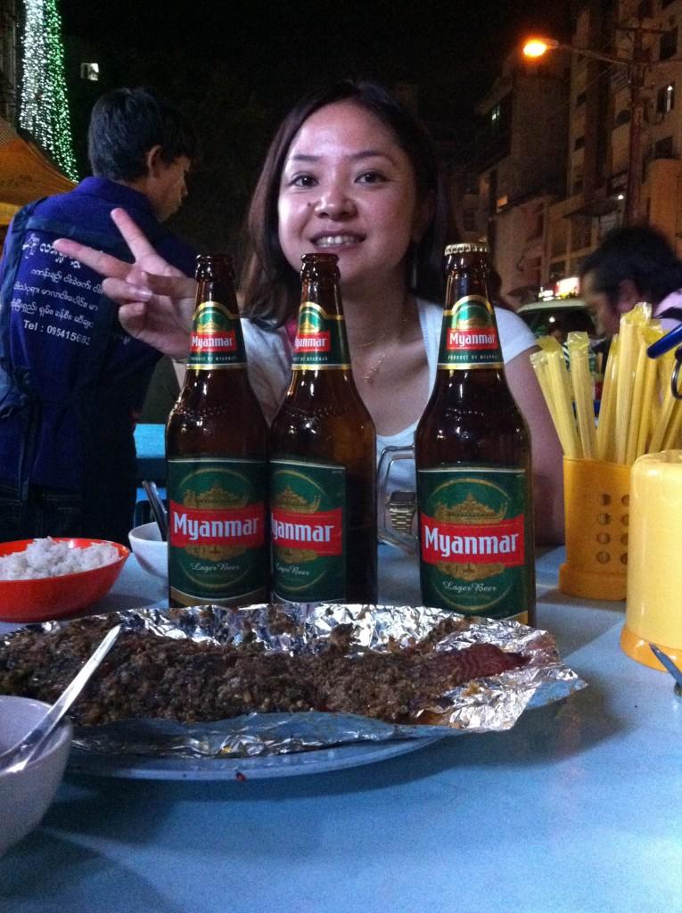 ヤンゴンの夜、みゆきさんとビール