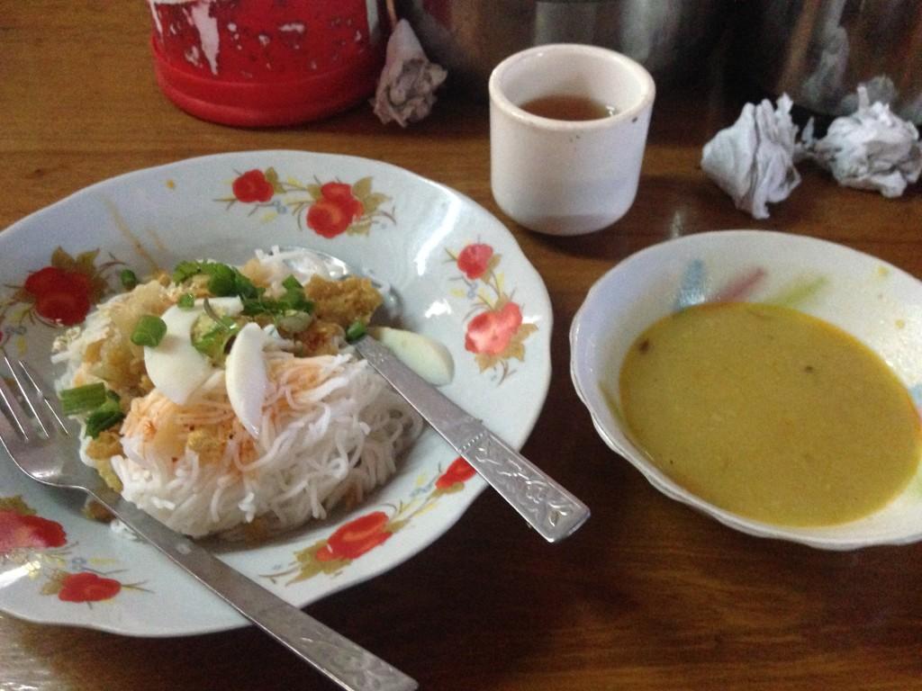 バガンでの朝食