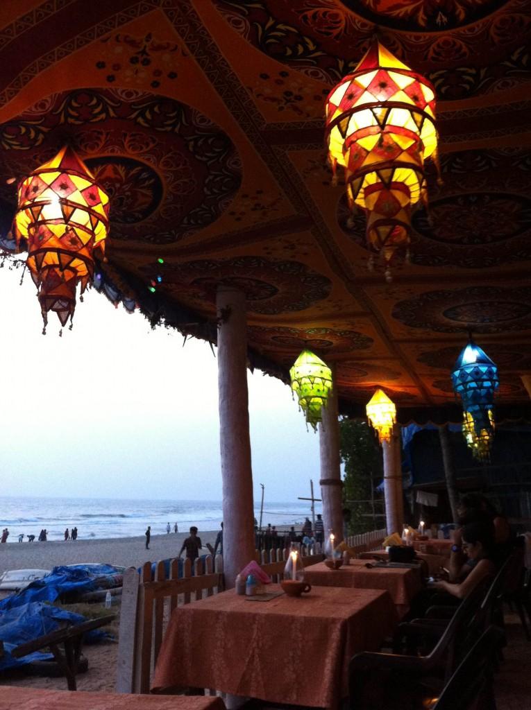 インド ケララ州 バルカラビーチ レストラン 美味しい おすすめ