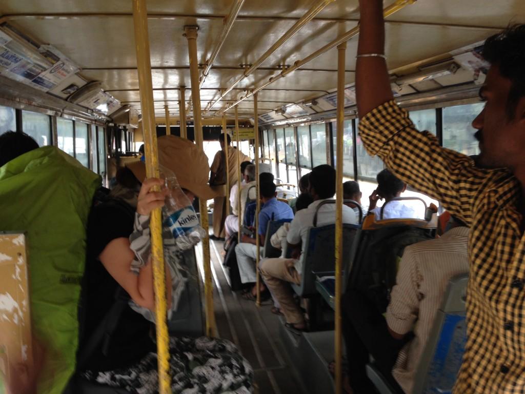 インド ローカルバス マドレイ カニャクマリ 移動