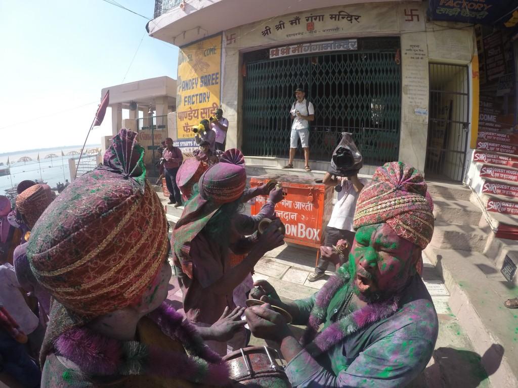 インド ホーリー バラナシ ガンガー インド人
