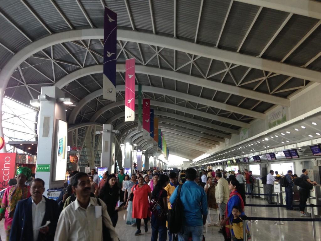 インド 国内線 カシミール ムンバイ 世界一周 旅 ブログ 国内線 ターミナル
