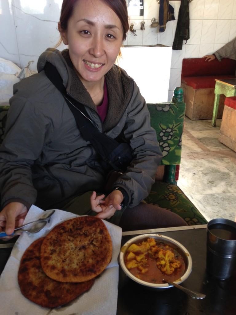インド カシミール ご飯 パロタ ベジカレー