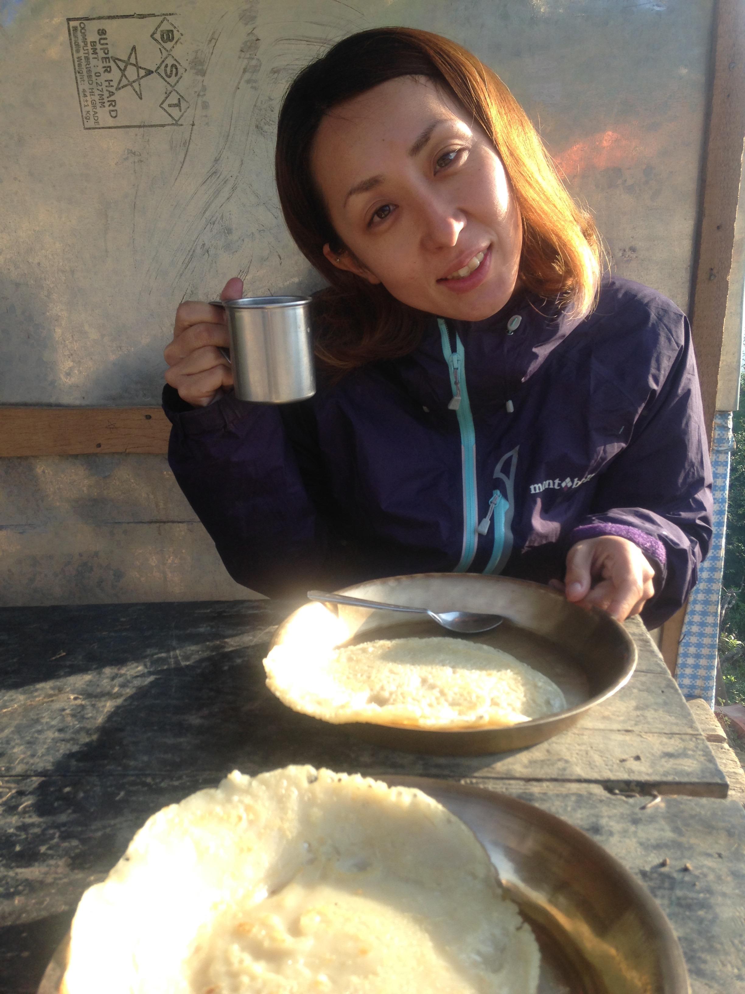 ダンプス トレッキング 小学校 ポカラ ネパール 世界一周 旅 ブログ バイク アンナプルナ ダンプス 朝ごはん