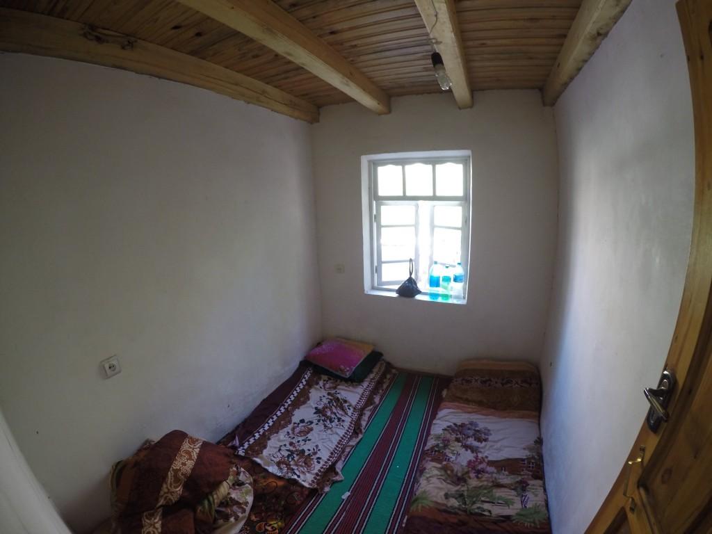 タジキスタン サルボダ 宿 ゲストハウス