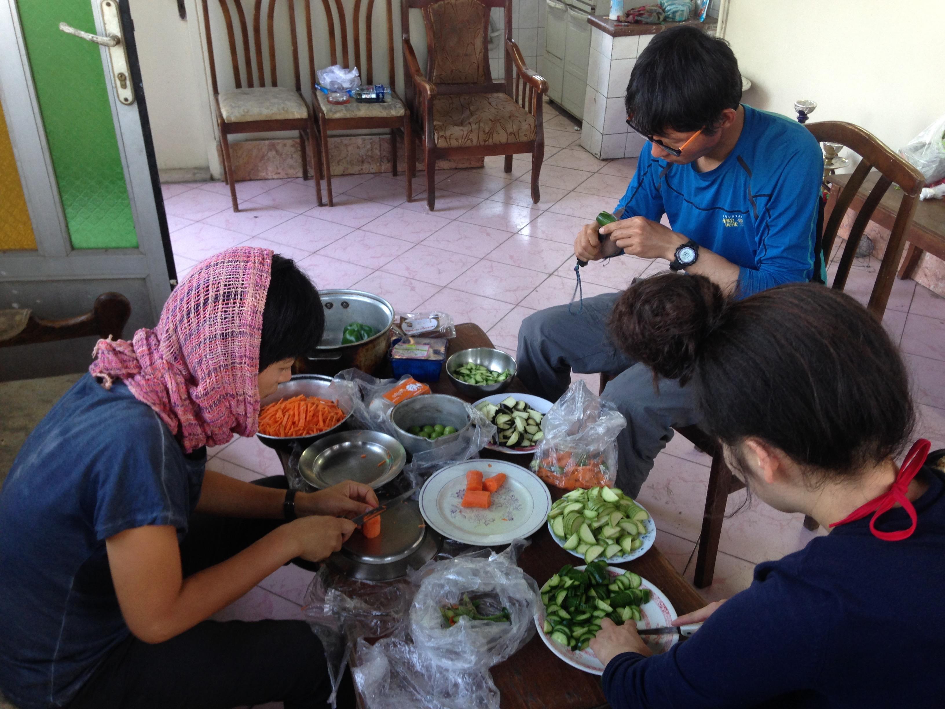 テヘラン 宿 イラン 自炊 世界一周