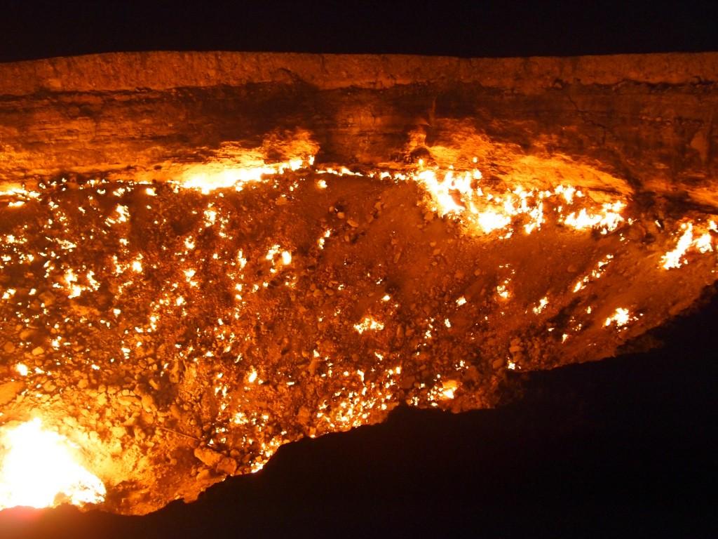 トルクメニスタン 地獄の門