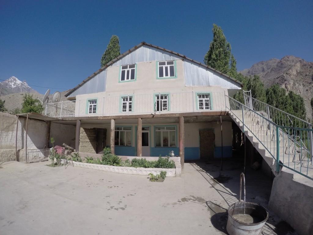 タジキスタン 世界一周 安宿 ゲストハウス 宿