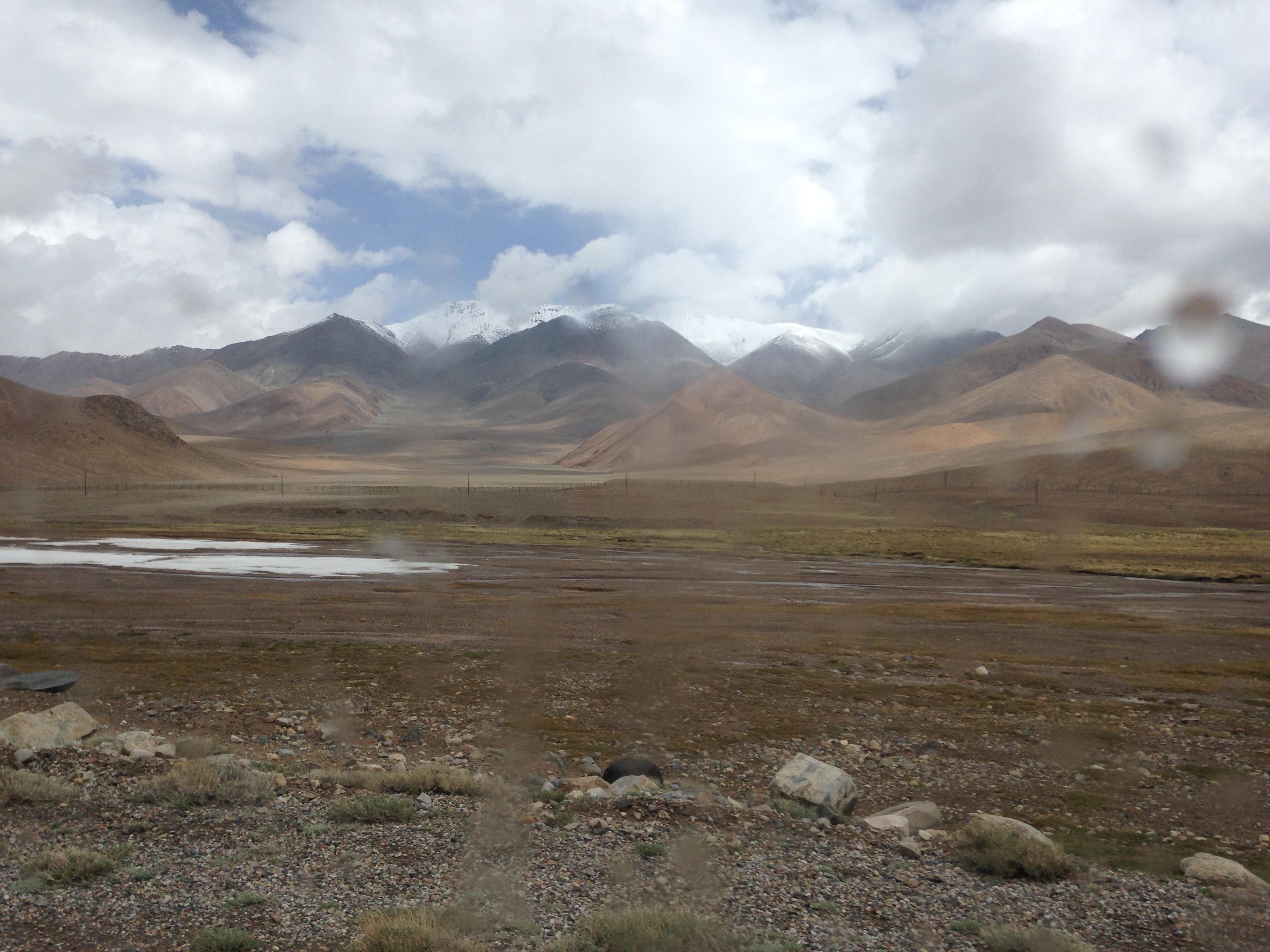 タジキスタン,キルギス,国境越え,シェアタクシー,世界一周,旅,ブログ,ワハーン,オシュ