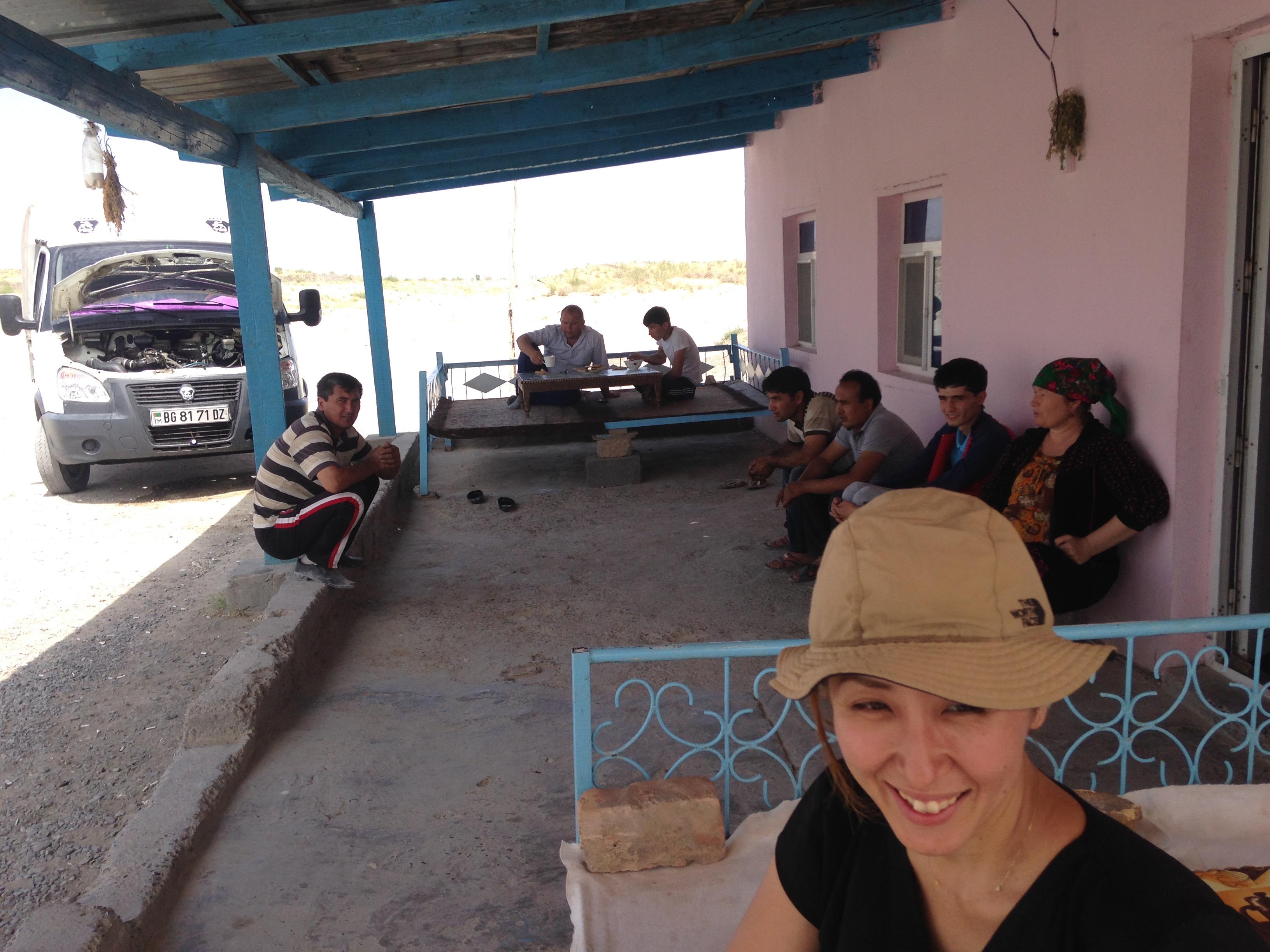 地獄の門,行き方,必見,電車,徒歩,ダルヴァザ,トルクメニスタン,世界一周,旅,夫婦,ブログ