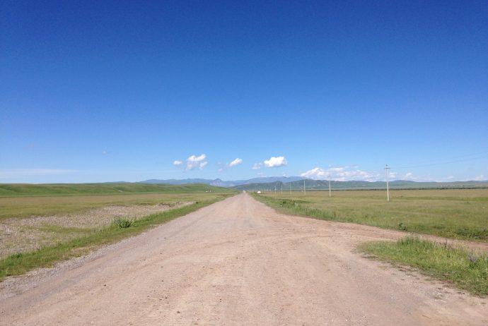 中央アジア キルギス カザフスタン 国境越え ヒッチハイク