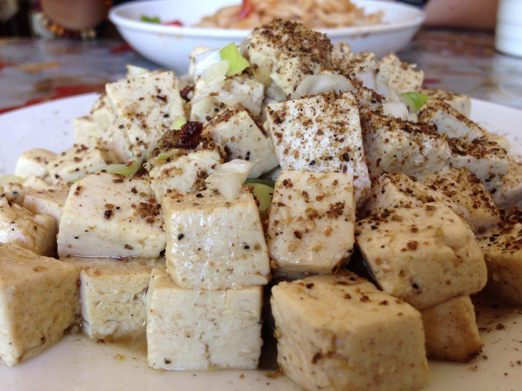 中国 カザフスタン 国境 麻婆豆腐