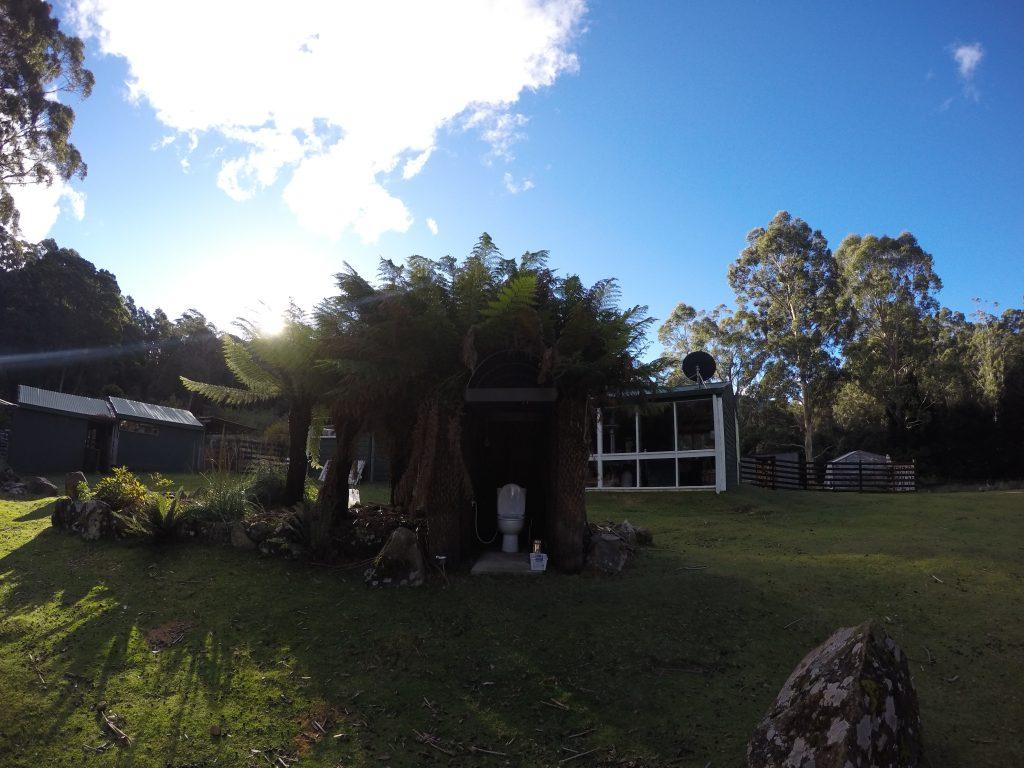 タスマニア 自然 パーマカルチャー ピーター カウチサーフィン