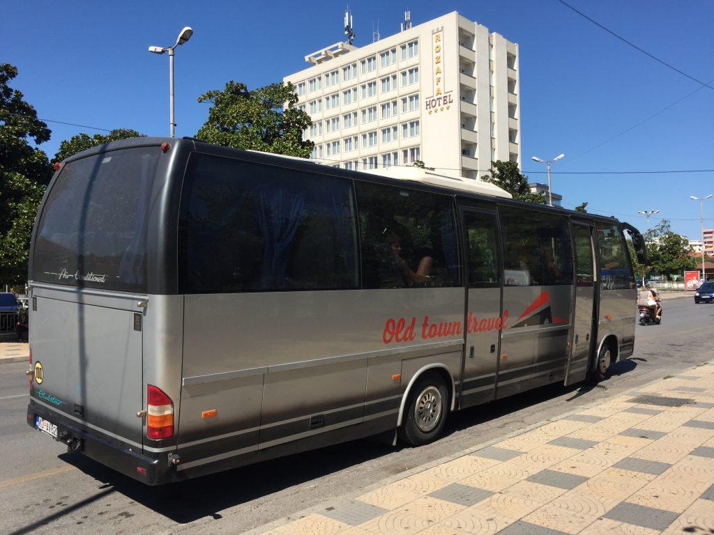 世界一周 モンテネグロ シュコドラ コトル バス