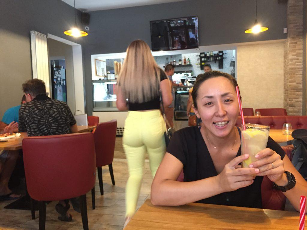 ルーマニア カフェ レモネード