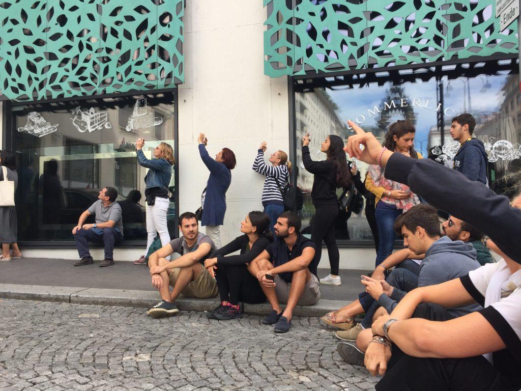 ウィーン 公園 テント キャンプ 泊 オーストリア プラハ チェコ 世界一周 旅 ブログ 観光 からくり時計