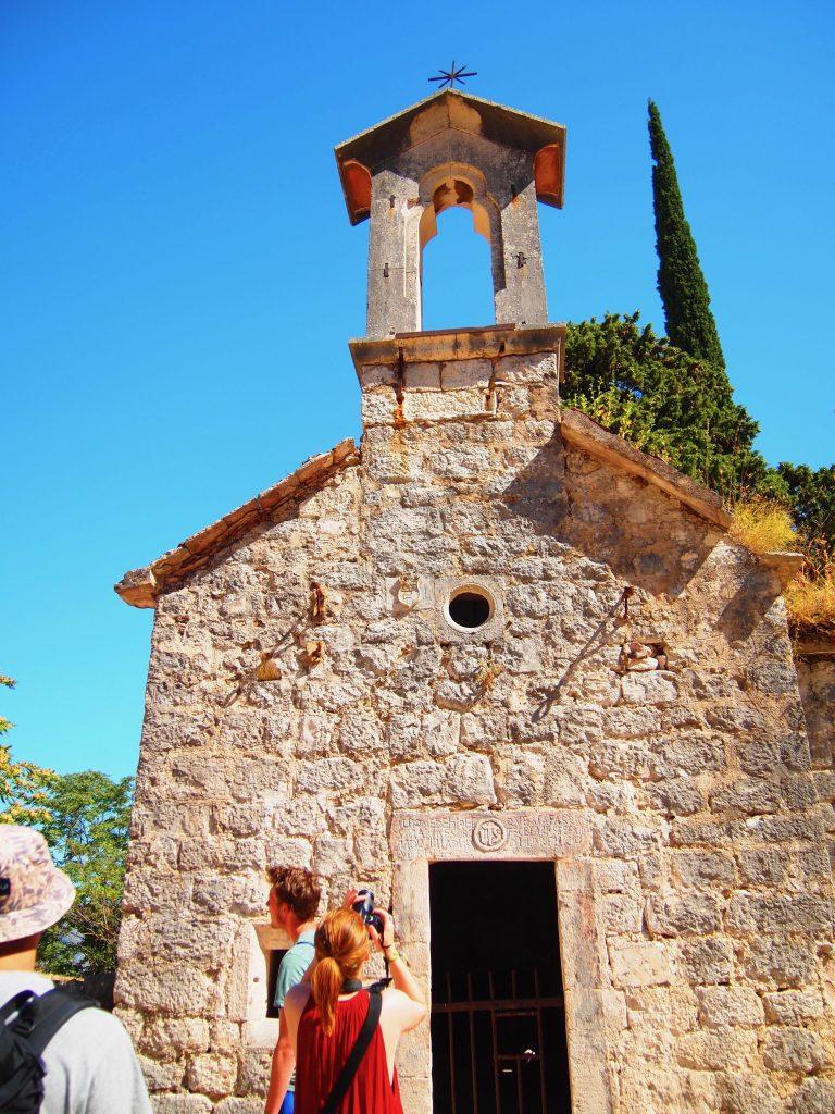 世界一周 モンテネグロ コトル 山 トレッキング 絶景 城 教会