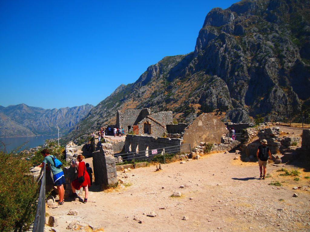 世界一周 モンテネグロ コトル 山 トレッキング 絶景 フォート