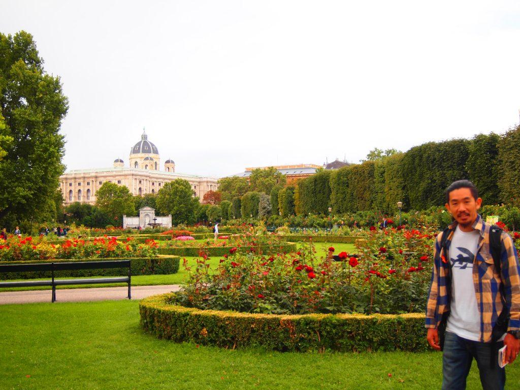 ウィーン 公園 テント キャンプ 泊 オーストリア プラハ チェコ 世界一周 旅 ブログ