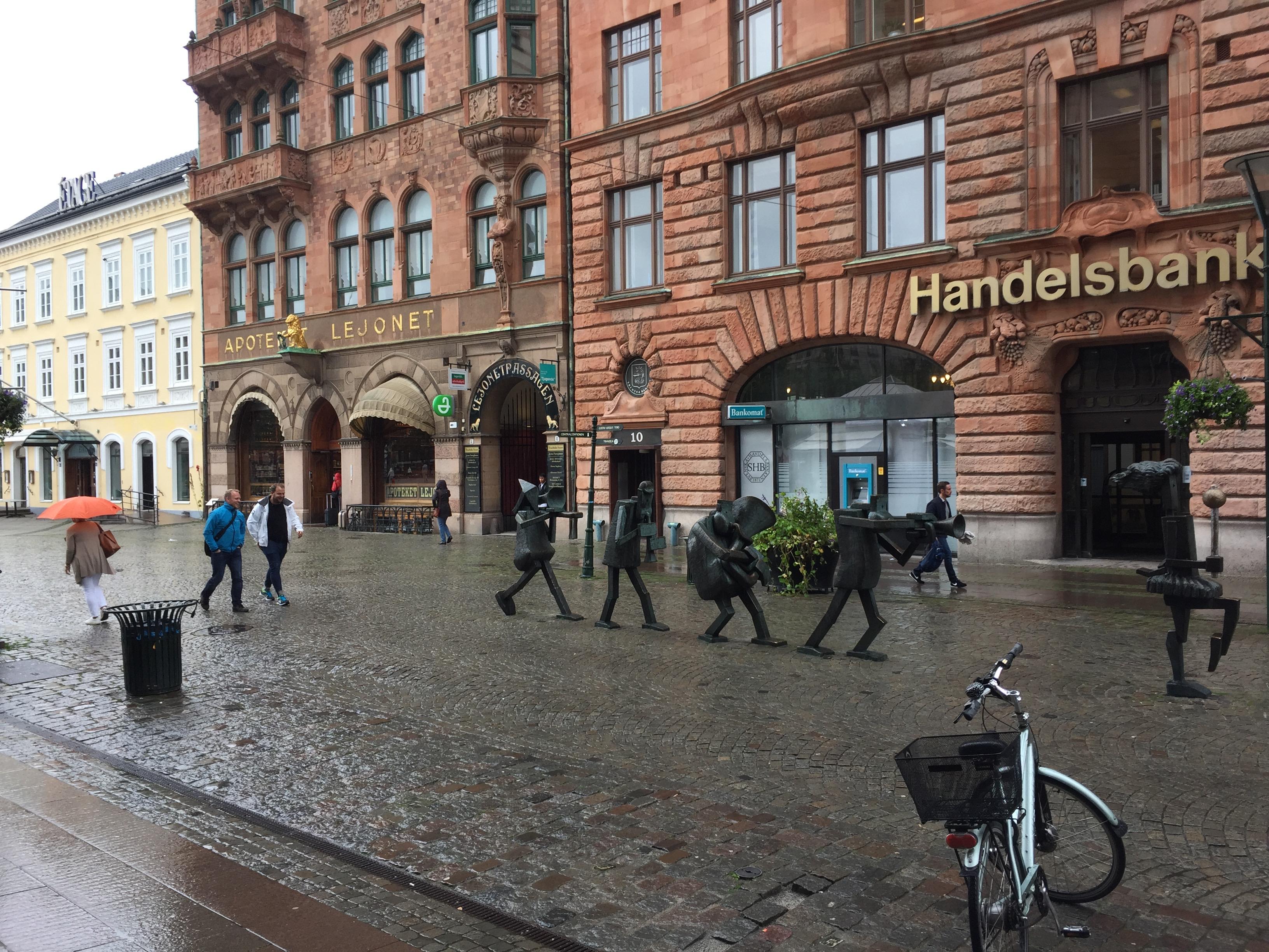 スウェーデン マルメ 雑貨 お洒落 屋上緑化 移民 難民