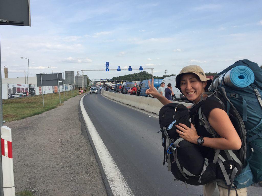 ポーランド ウクライナ 国境 ヒッチハイク