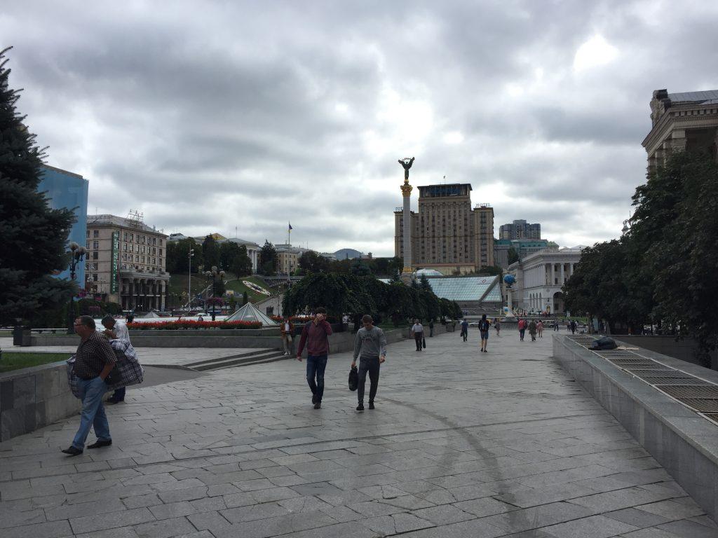 ウクライナ,絶品,ベジタリアン,サンド,世界一周,旅,ブログ,キエフ,ビザ,ベラルーシ