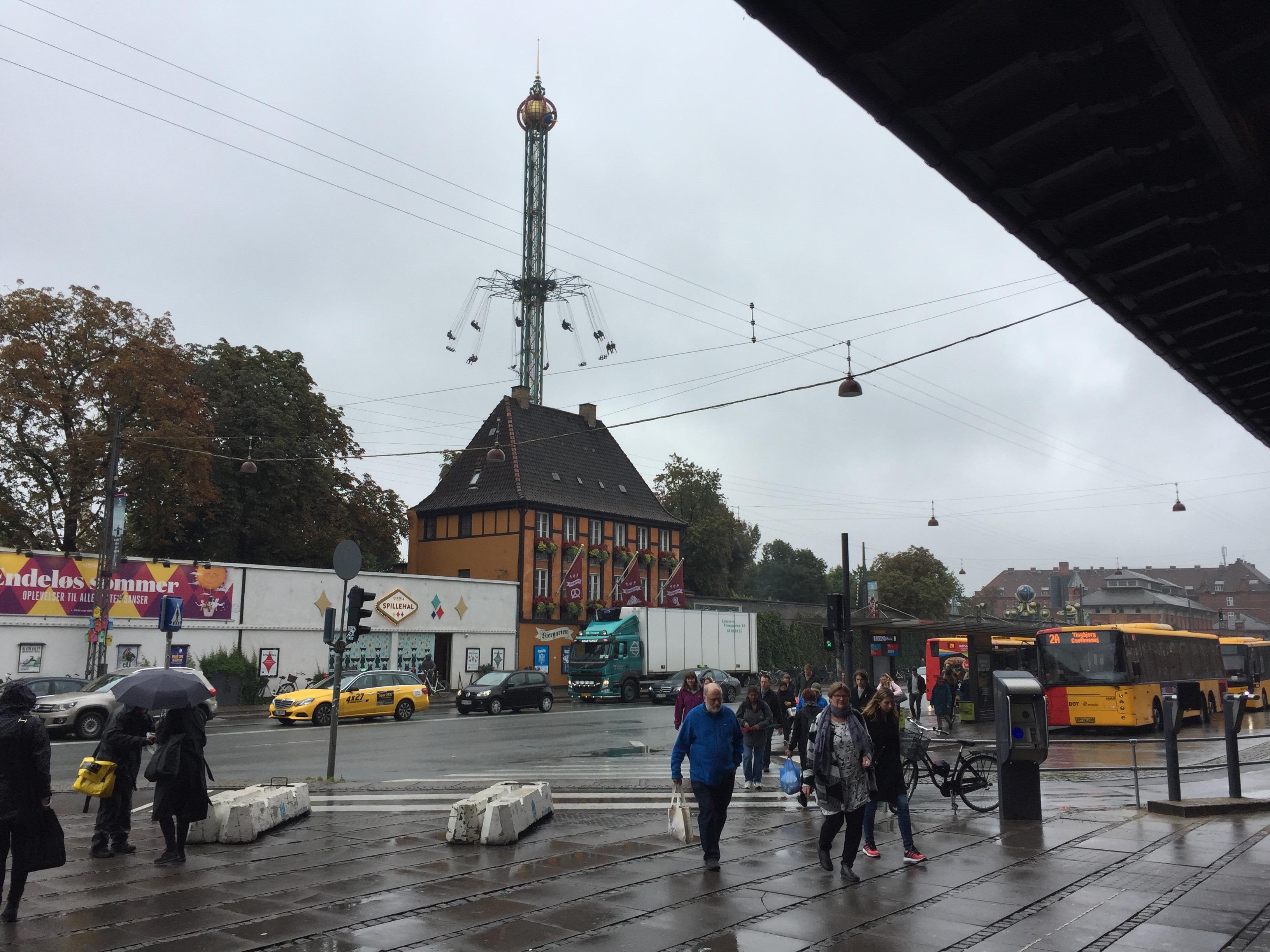 世界一周 デンマーク コペンハーゲン 駅 遊園地