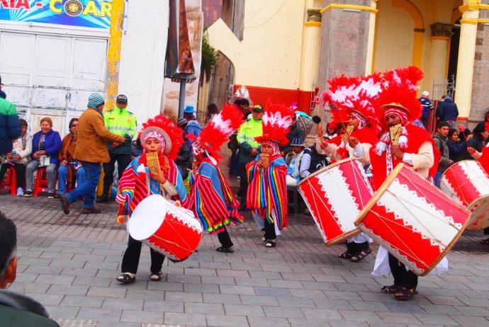 ペルー,プーノ,祭り,宿,世界一周,チチカカ湖,セビーチェ,夫婦,ブログ