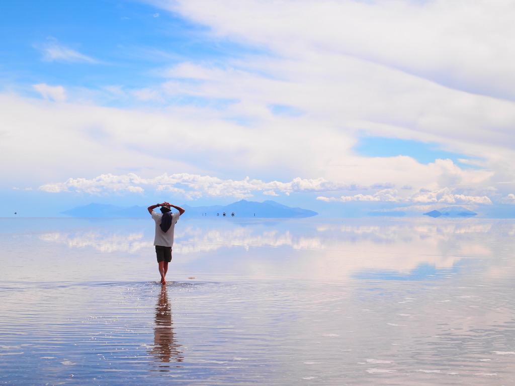 絶景,ウユニ,塩湖,ツアー,ボリビア,列車の墓場,チリ人,世界一周,旅,夫婦,ブログ